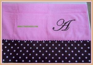 toalla bordada, ideal para decorar un baño con personalidad