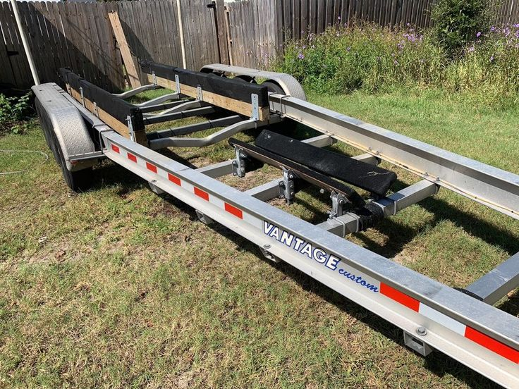 Venture Vantage Custom triple axle model 12625 3236ft