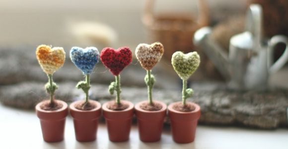 Miniature flowers hearts in the pots, Set of five, red, green, yellow, blue, beige. Gift for romanticist,  crochet art, Mother's day