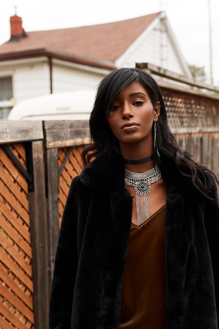Layering with a choker