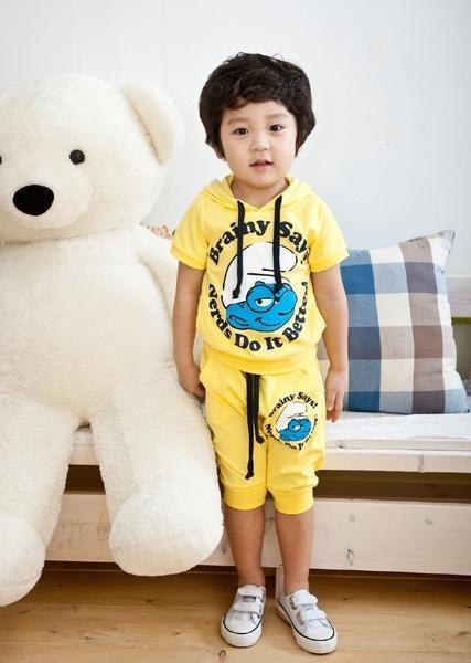 FBS-01B Smurf Set Blue Product : Kids Set Material : Cotton Colour : Yellow Ages : 2-5T Size : 100,110,120,130 Rp 141500,-