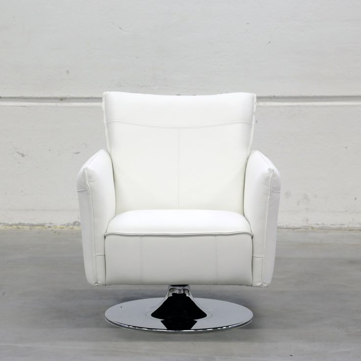 Malli: Monikko tuoli Verhoilu: Nahka, Labrador Vaihtoehdot: 3-istuttava sohva, modulisohva, rahi, nojatuoli Jälleenmyyjä: Sotka-myymälät  #pohjanmaan #pohjanmaankaluste #käsintehty