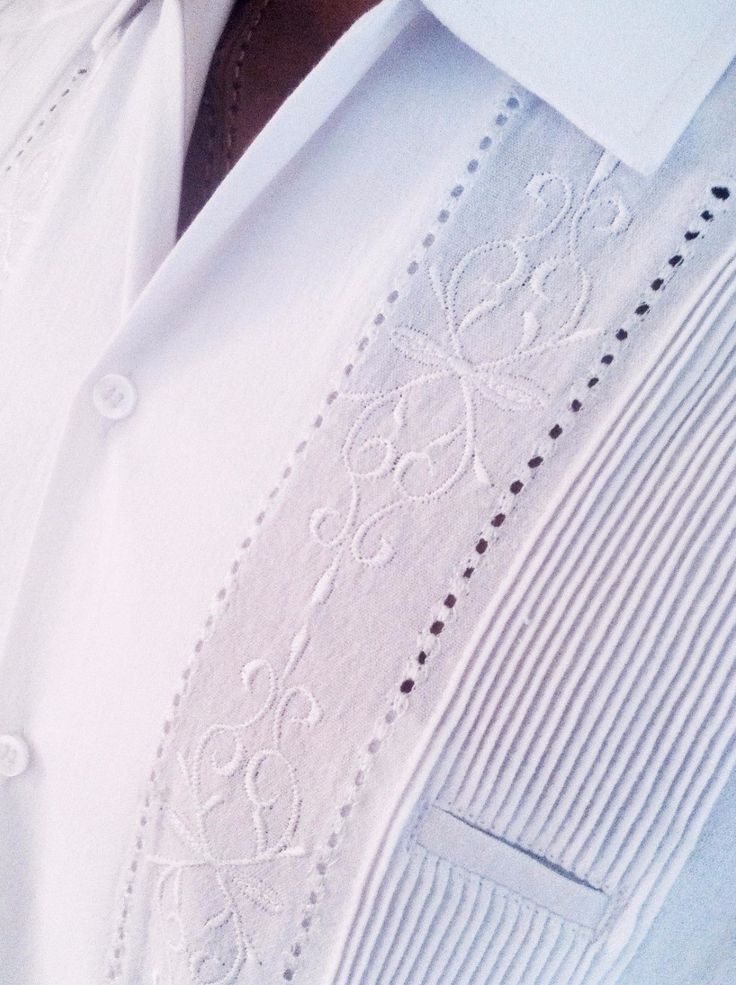 Our authentic 100% cotton Guayabera shirt is the perfect apparel for destination weddings and appropriate for all kinds of business and dress occasions in warm climates. The Huitzilli Guayabera Rejill