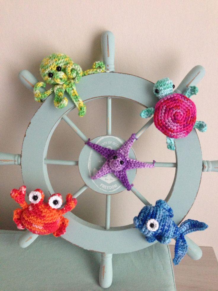 Zeethema decoratie voor de babykamer. De zeester, schilpad en vis zijn eigen probeersels.
