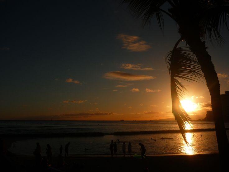 Waikiki sunset. Watch the sun go down over the Northern Pacific. #hawaii #waikiki #sunset