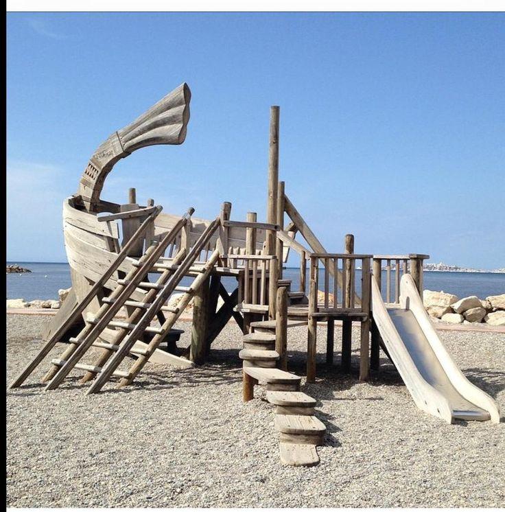 MARSIGLIA: a stunning example of original playground!