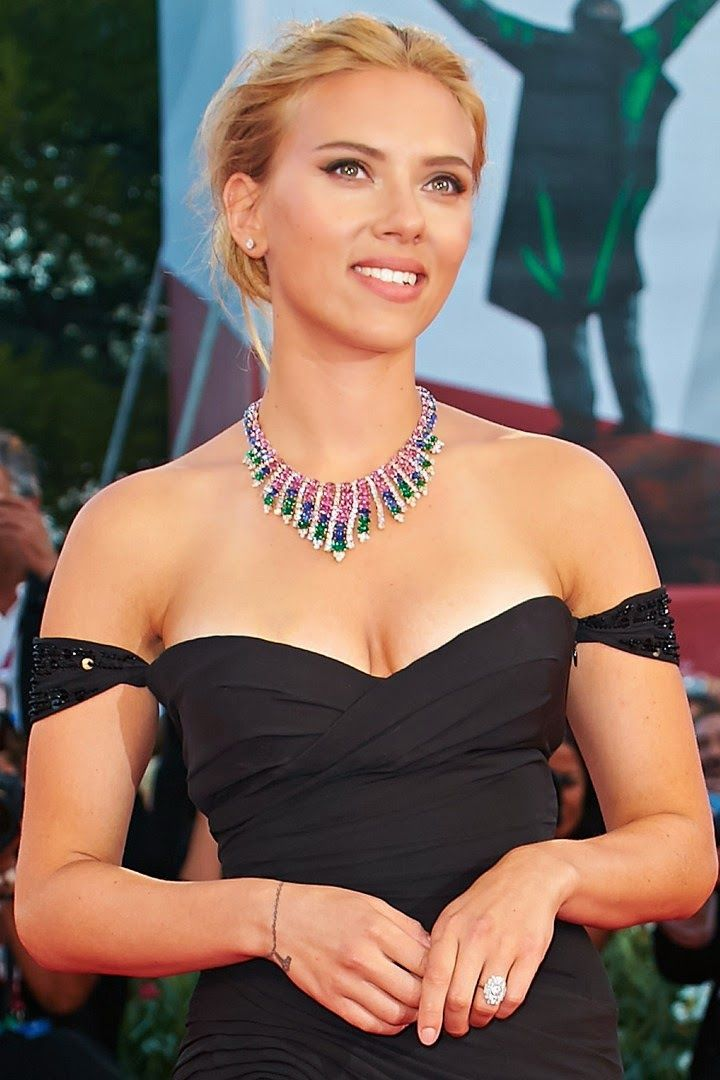 Joury Blog: Scarlett Johansson marries and gives birth in secr...