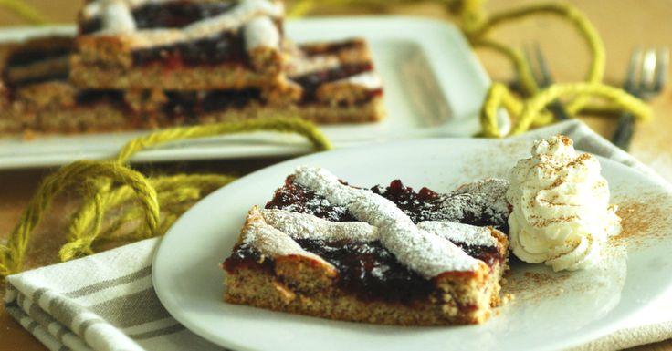 La Linzer Torte o torta di Linz in teglia è dolce di origini austriache, la cui prima ricetta scritta risale al lontano 1653.