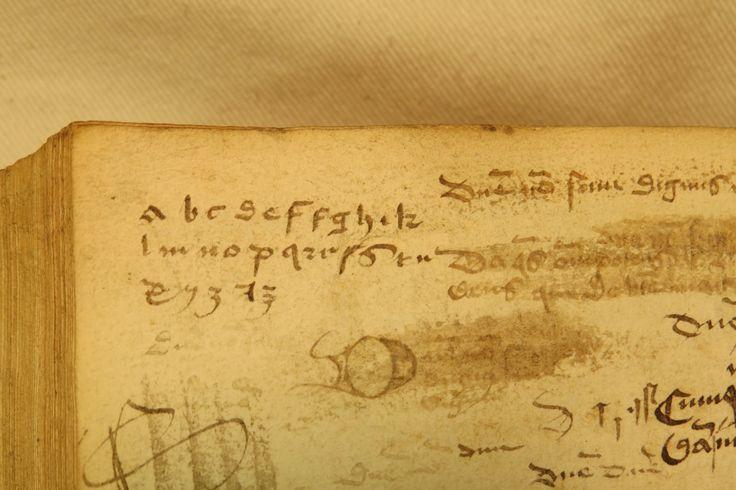 Inc 2. Author: Alexander, de Villa Dei . Title: Grammatica Latina Alexandri. 1497: 1500. Alphabet notation.