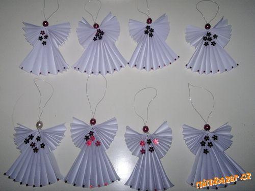 papíroví andílci