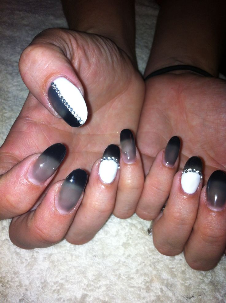 Colour black grey and white :)
