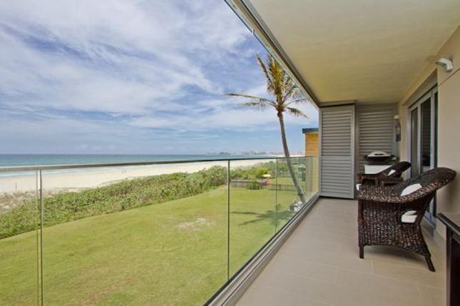 Beach Shack - Absolute Bilinga Beachfront: Beach Shack - Absolute Bilinga Beachfront in Bilinga