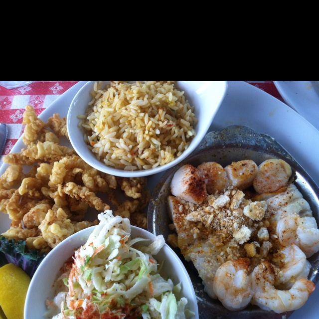 Combo Platter At Lobster Pot Restaurant On Siesta Key In