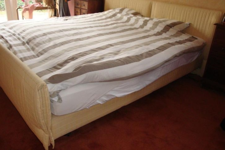 XXL Bed (180x220)