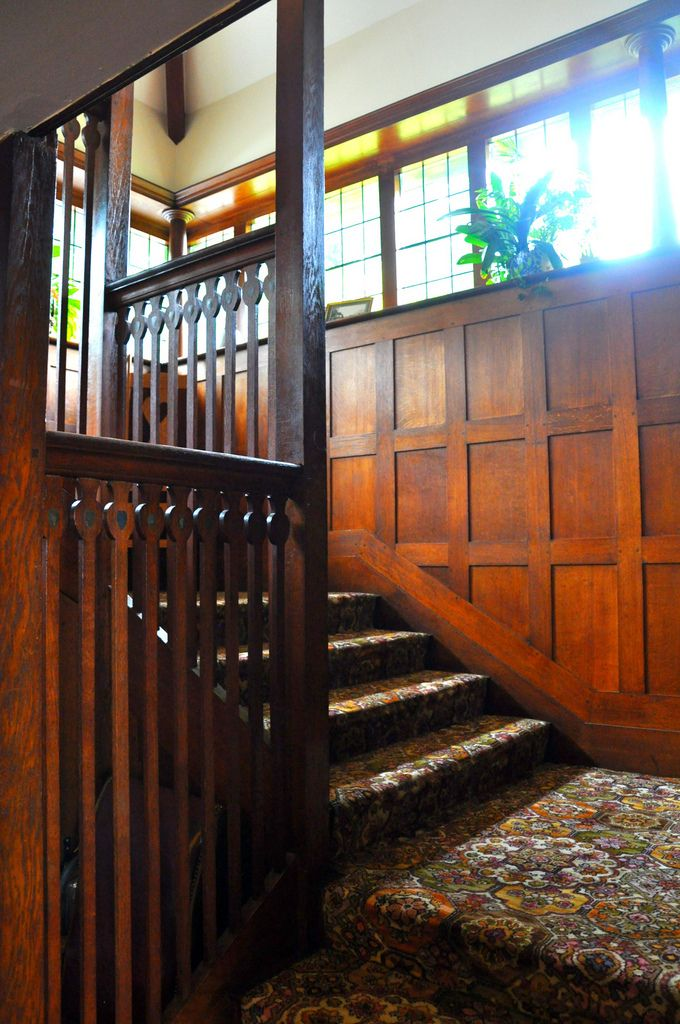 38 best craftsman entryways and foyers images on pinterest for Arts and crafts wainscoting