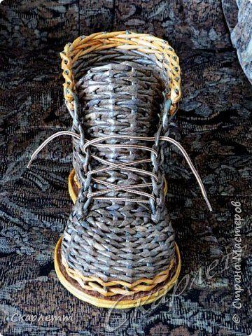 Поделка изделие Плетение Давно не плела я БАШМАЧКИ и не только Бумага газетная Трубочки бумажные фото 15