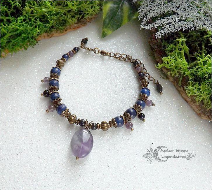 ᘛ Invocation d'Haurun ᘚ Bracelet Lapis-lazuli, Obsidienne oeil céleste, Améthyste et cristal noir : Bracelet par terre-des-legendes