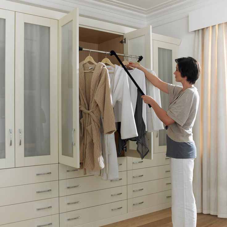Best 25 closet rod ideas on pinterest closet remodel for Cost to build walk in closet
