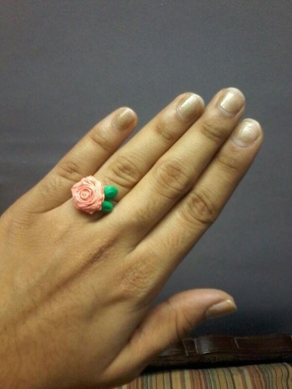 Rose ring.  The ring base is paper too.