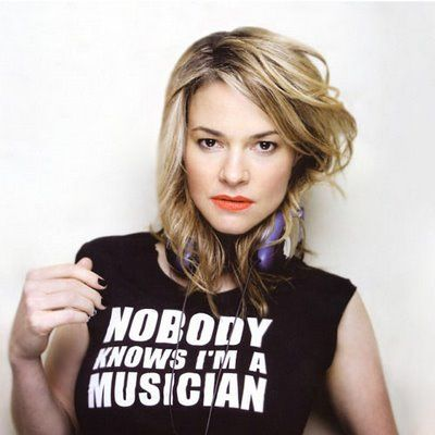 <3 Actress & musician Leisha Hailey (Alice from the L Word)