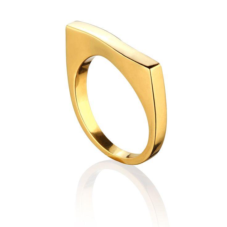Elegancki pierścionek wykonany ze srebra próby 925, złocony 24 karatowym złotem #ring #jewelry #jewellery #latienne #gold