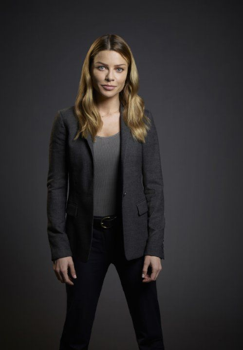 Still of Lauren German in Lucifer (2015)