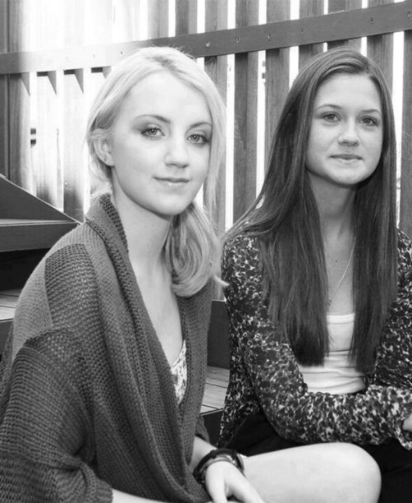 Evanna Lynch (Luna Lovegood) and Bonnie Hunt (Ginny Weasley) Backstage