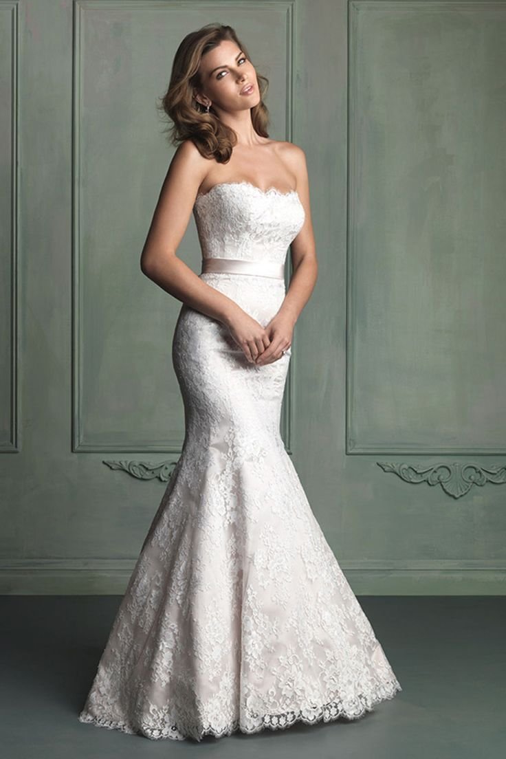 Best 25 Trumpet wedding gowns ideas on Pinterest  Lace trumpet wedding dress Off shoulder
