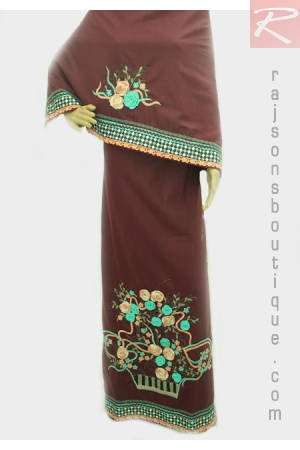 A Rida With Mehroon Plain Fabric With Machine Embroidery And Crassio Centre Bunch With Lacing.  Price-Rs.2252