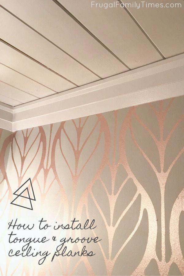 Eine Schlichte Decke Die Klassisch Und Schon Aussieht So Installieren Sie Die Zunge Badezimmer Im Keller Diy Bader Holzverkleidung Decke
