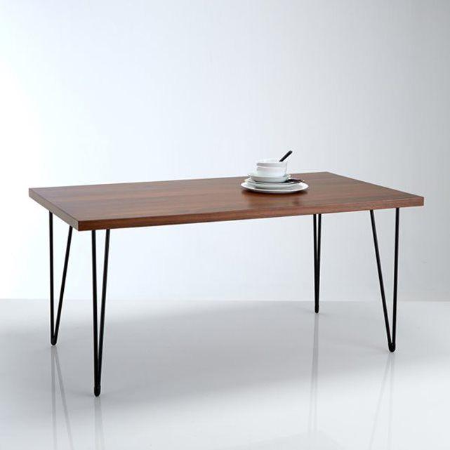 Rechthoekige tafel, vintage spirit, Watford. Elegante uitvoering, ideaal voor in de woonkamer. Eigenschappen :Vast model.Plateau in MDF met laagje notenhout, afgewerkt met nitrocellulose vernis.Pootgedeelte in gelakte staal afgewerkt met zwarte epoxyverf.Afmetingen :Breedte : 160 cmHoogte : 75 cmDiepte :  90 cmDikte tafelblad : 4 cmDikte poot : 1,6 cmMonteerklaar geleverd.Levering aan huis na afspraak !