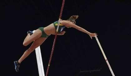 Fabiana Murer ficou com a prata no Mundial de Pequim - FRANCK FIFE/AFP
