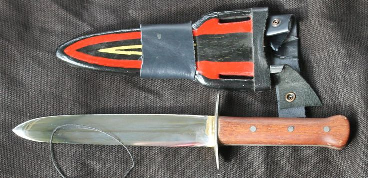 was started by my grand father (or his farther) i draw filed the main bevels from a rounded profile. the guard was already braised in plaice. the scaked are bloodwood