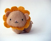 Mary Hoeschen's work (hybernate on Etsy): Small Gold Lizzie, the Giggly Lion