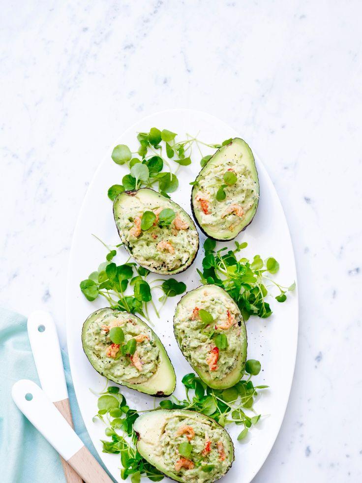 Gevulde avocado's met rivierkreeftjes - Libelle Lekker