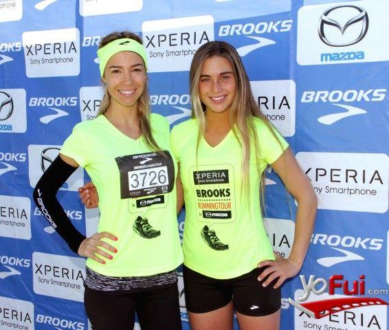 YoFui.com: Luciana Dubini, Isidora Ureta en Desafío Brooks Running Tour 2013, Centro Cívico de Vitacura, Santiago (Chile)