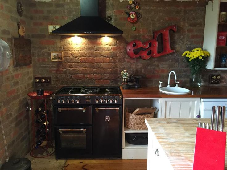 Rustic charm at its best! We love this photograph sent in by a customer of their Richmond Black 90cm Range Cooker! Quirky and cosy