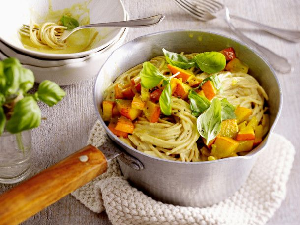 Unser beliebtes Rezept für Schnelle One-Pot-Spaghetti und mehr als 55.000 weitere kostenlose Rezepte auf LECKER.de.