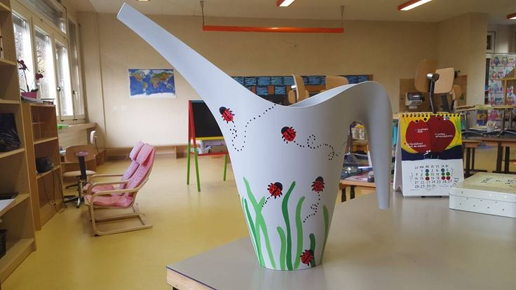 Arrosoir Ikea Nathalie K. © groupe Facebook Enseignantes des années 1 à 4 Harmos
