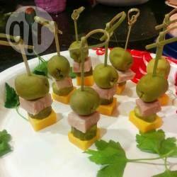 Mini-brochettes apéritives sans cuisson @ allrecipes.fr