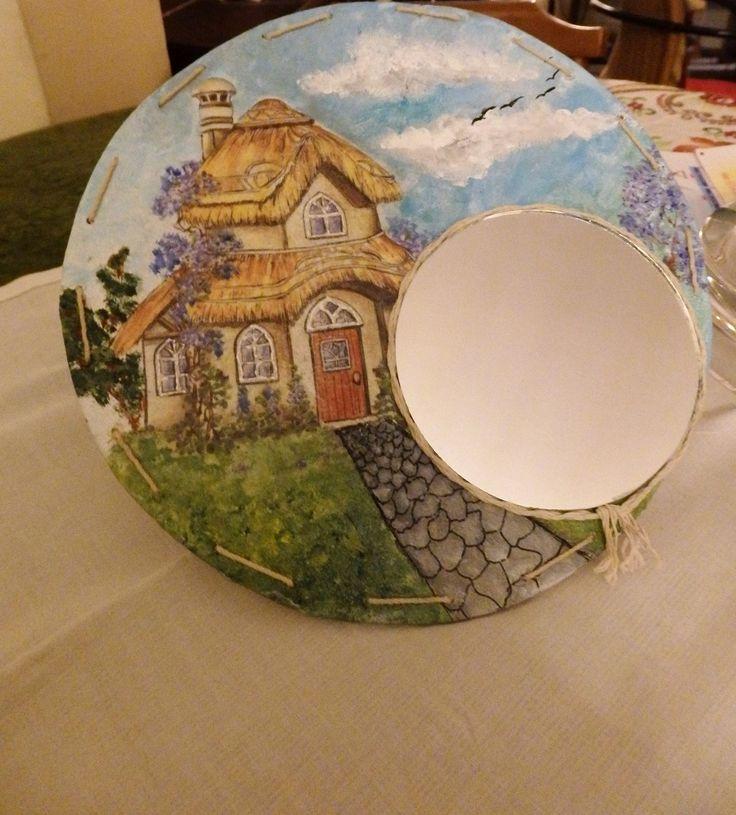 Ντεκουπάζ και ζωγραφική πάνω σε ξύλο-καθρέφτης με σπάγγο