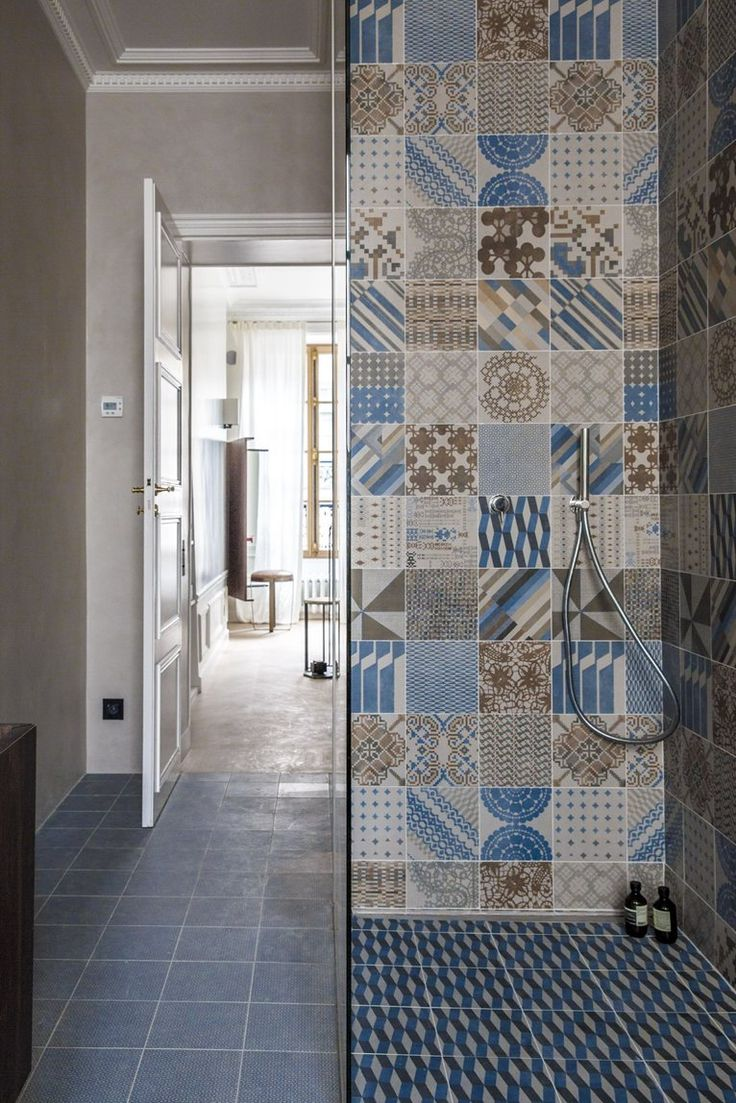 Rue de Solferino, Parigi, 2013 #bathroom #tiles #ceramic