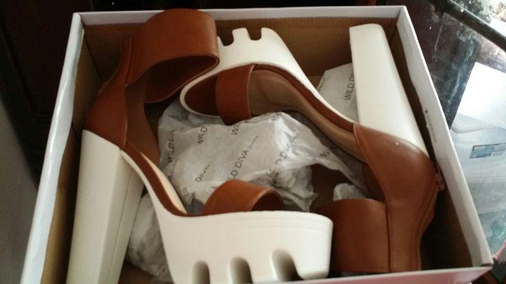 Sandles cognac and white chunky heel