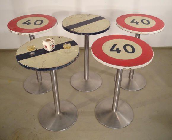 1000 id es sur le th me mange debout exterieur sur - Table mange debout avec rangement ...