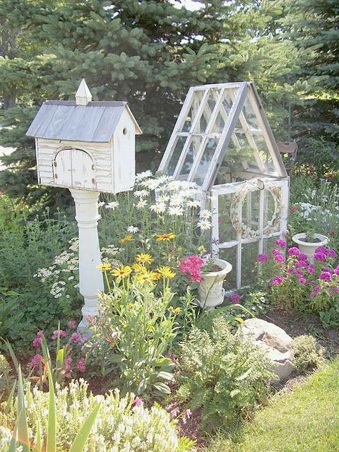 Garden house of six old windows: Birdhouses, Cottages Gardens, Minis Greenhouses, Gardens Design Ideas, Old Windows, Birds House, Window Greenhouse, Gardens House, Garden Houses