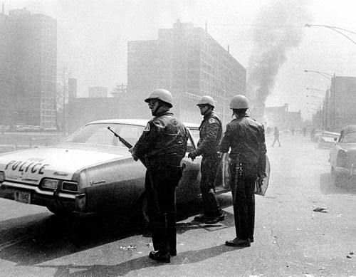 Rioting in Cabrini Green in response to MLK's death