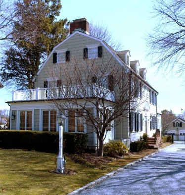 The amityville horror house for sale in new york the o for The amityville house for sale