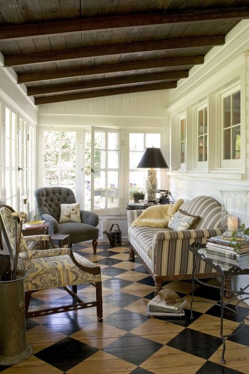 Enclosed porch back porch ideas pinterest beautiful for Enclosed back porch ideas