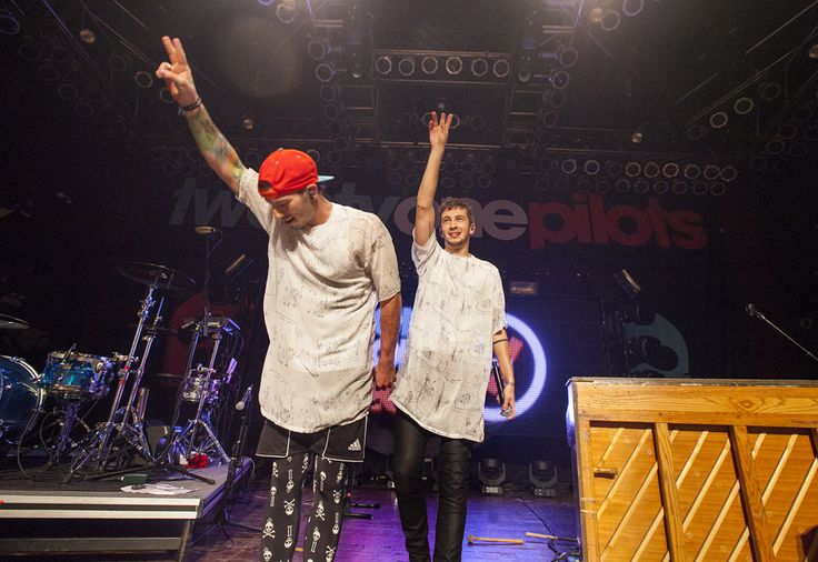 Twenty One Pilots Live in Chicago, IL on November 29, 2013 | Eye Tunes