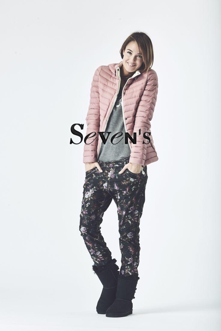 Doudoune Gertrude - T-Shirt DIESEL - Jean carotte PLEASE     www.boutiques-sevens.com  #doudoune #gertrude #pink #pastel #tshirt #top #diesel #jean #carotte #please #fleuri #boots #ugg #cocooning #casual #mode #women #fashion #hiver15 #winter15 #sevens